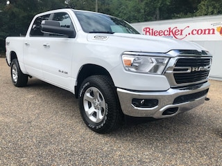 New 2019 Ram 1500 BIG HORN / LONE STAR CREW CAB 4X4 5'7 BOX Crew Cab in Dunn NC