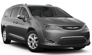 New 2018 Chrysler Pacifica LIMITED Passenger Van in Dunn NC