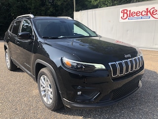New 2019 Jeep Cherokee LATITUDE FWD Sport Utility in Dunn NC
