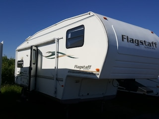 2002 Flagstaff 8524RLSW Fifth Wheel Trailer