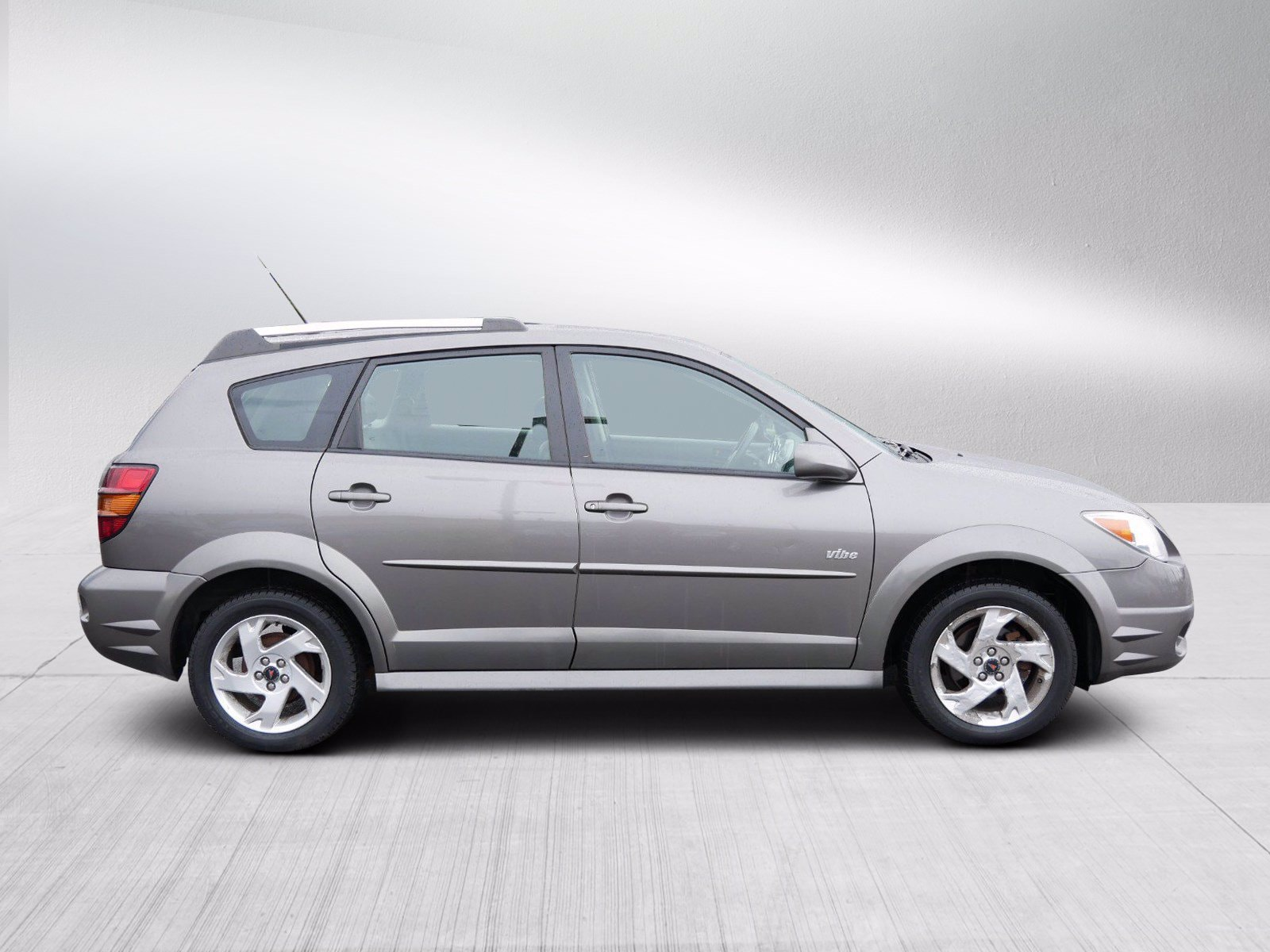 Used 2006 Pontiac Vibe  with VIN 5Y2SL65896Z449814 for sale in Bloomington, Minnesota