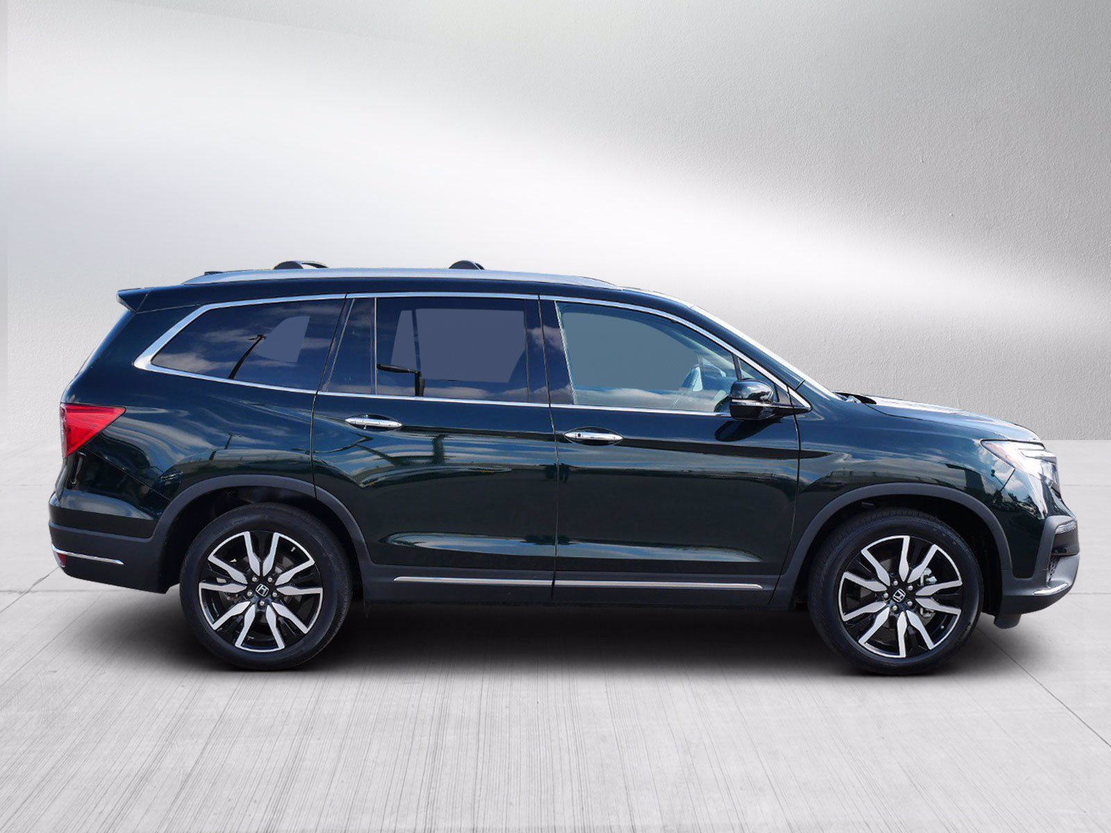 Used 2019 Honda Pilot Touring with VIN 5FNYF6H66KB036759 for sale in Bloomington, Minnesota