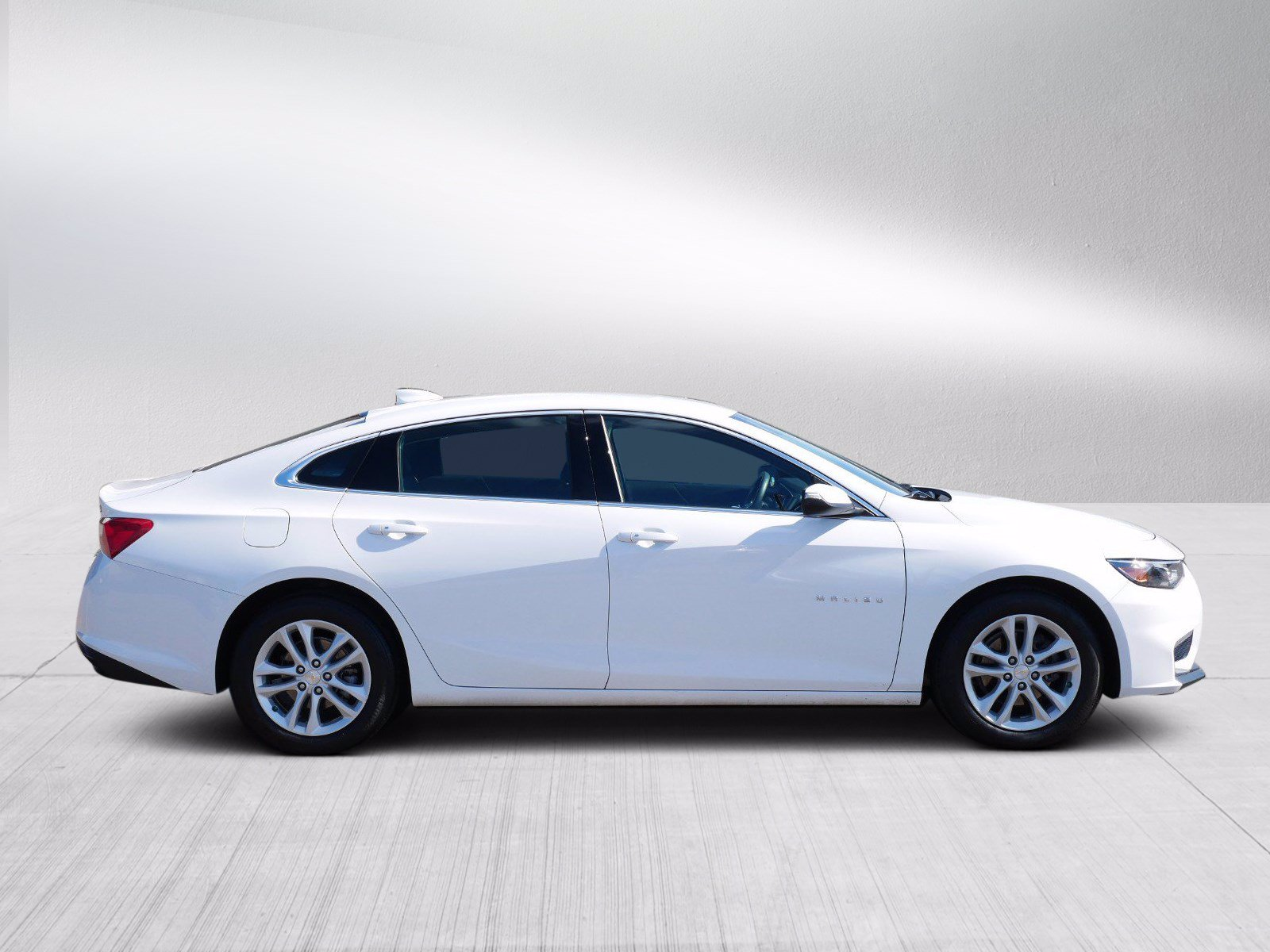 Used 2016 Chevrolet Malibu Hybrid with VIN 1G1ZJ5SU6GF300952 for sale in Bloomington, Minnesota