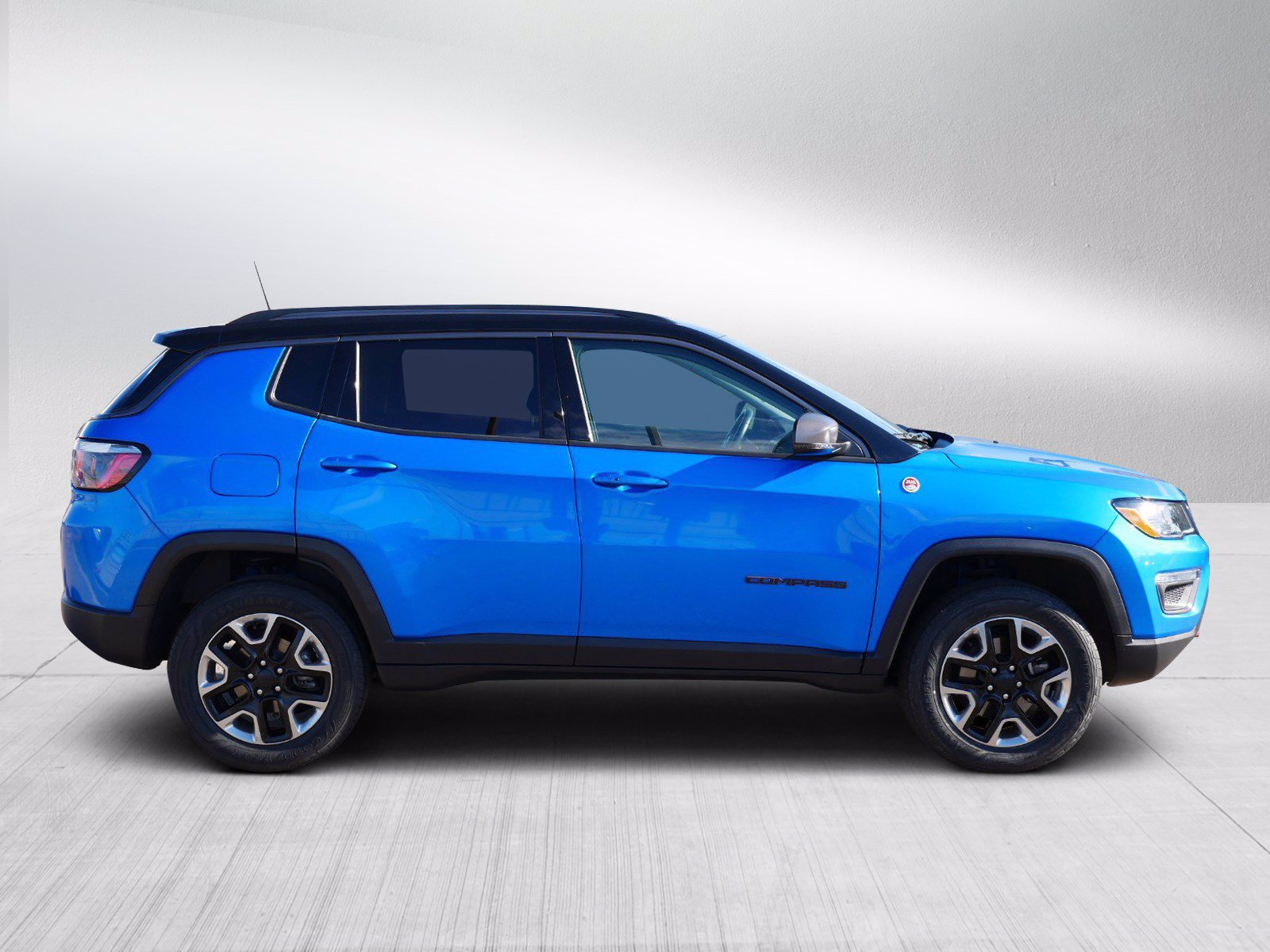 Used 2018 Jeep Compass Trailhawk with VIN 3C4NJDDB8JT210517 for sale in Bloomington, Minnesota