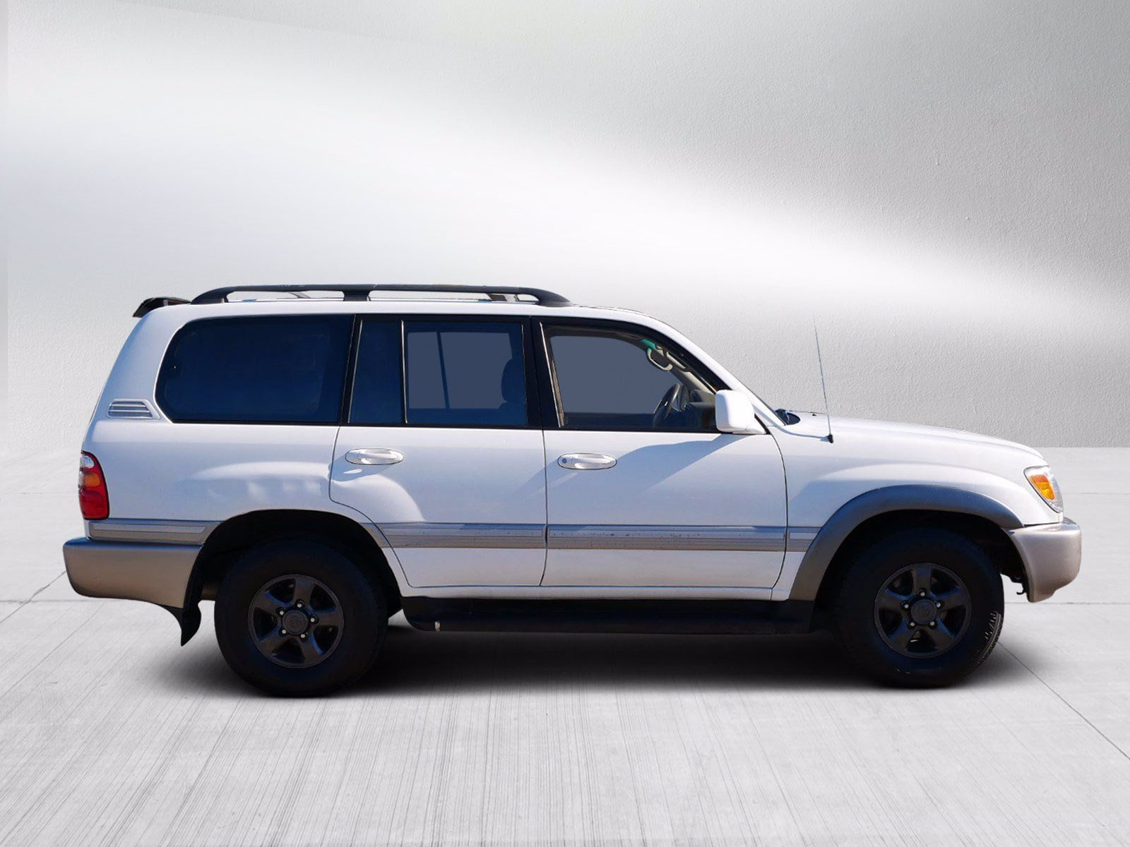 Used 1998 Toyota Land Cruiser  with VIN JT3HT05J5W0007597 for sale in Bloomington, Minnesota