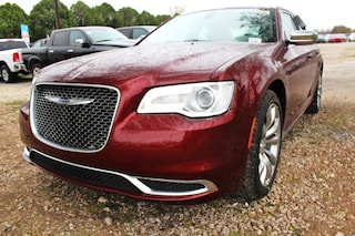 near San Antonio 2019 Chrysler 300 TOURING Sedan New