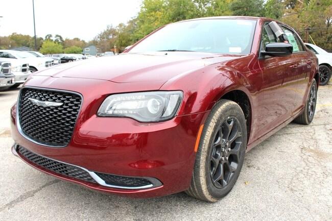 New 2019 Chrysler 300 TOURING AWD Sedan San Antonio TX