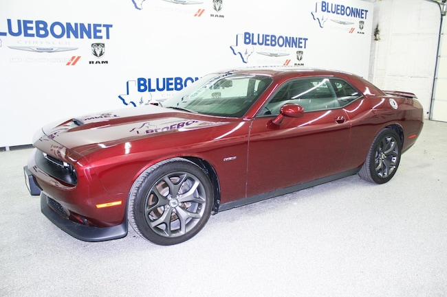 certified used 2019 Dodge Challenger R/T Coupe near san antonio