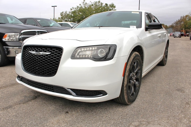 New 2019 Chrysler 300 TOURING AWD Sedan San Antonio TX