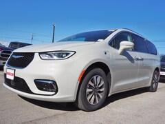 new 2021 Chrysler Pacifica Hybrid TOURING L Passenger Van for sale near San Antonio