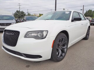 near San Antonio 2020 Chrysler 300 TOURING Sedan New