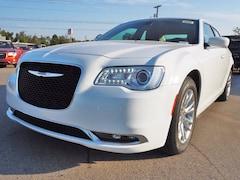 new 2020 Chrysler 300 TOURING Sedan for sale near San Antonio