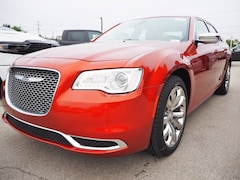 new 2020 Chrysler 300 TOURING Sedan for sale near San Antonio