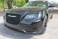 2019 Chrysler 300 TOURING Sedan near San Antonio