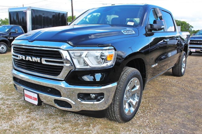new 2019 Ram 1500 BIG HORN / LONE STAR CREW CAB 4X2 5'7 BOX Crew Cab near San Antonio