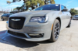 near San Antonio 2019 Chrysler 300 S Sedan New