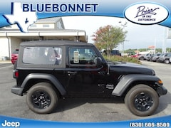 New 2018 Jeep Wrangler SPORT 4X4 Sport Utility for sale in New Braunfels, TX at Bluebonnet Jeep