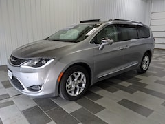 Buy a used 2020 Chrysler Pacifica Limited Van Passenger Van for sale in Duncansville PA