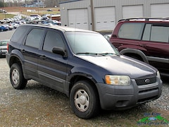2004 Ford Escape 103 WB XLS SUV