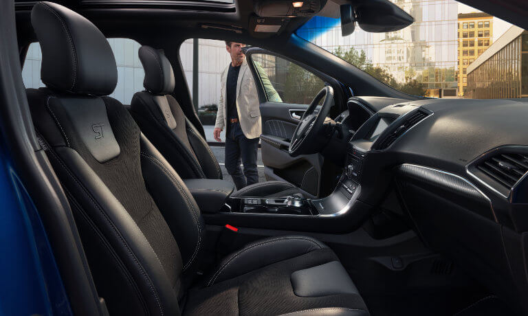 2019 Ford Edge interior front seating