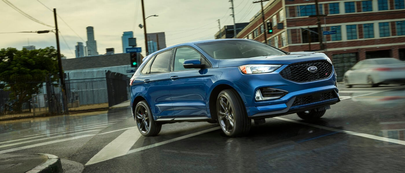 2019 Ford Edge ST driving in the city
