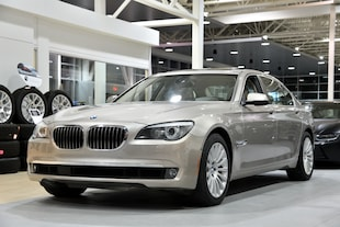 2012 BMW 750Li xDrive-40  448 km-Modèle allongé Sedan