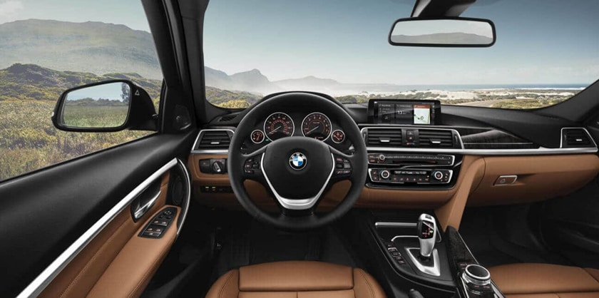 Interior photo of the 2018 BMW 3 Series