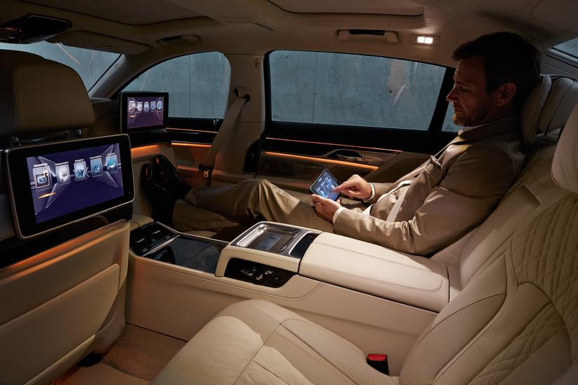 2017 BMW 7 Series Touch Command Tablet