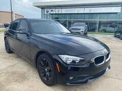 2016 BMW 3 Series 320i w MOONROOF Sedan WBA8E1G59GNU10253 GNU10253P in [Company City]