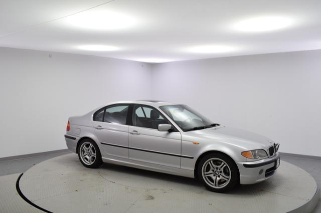 2003 BMW 330i Car