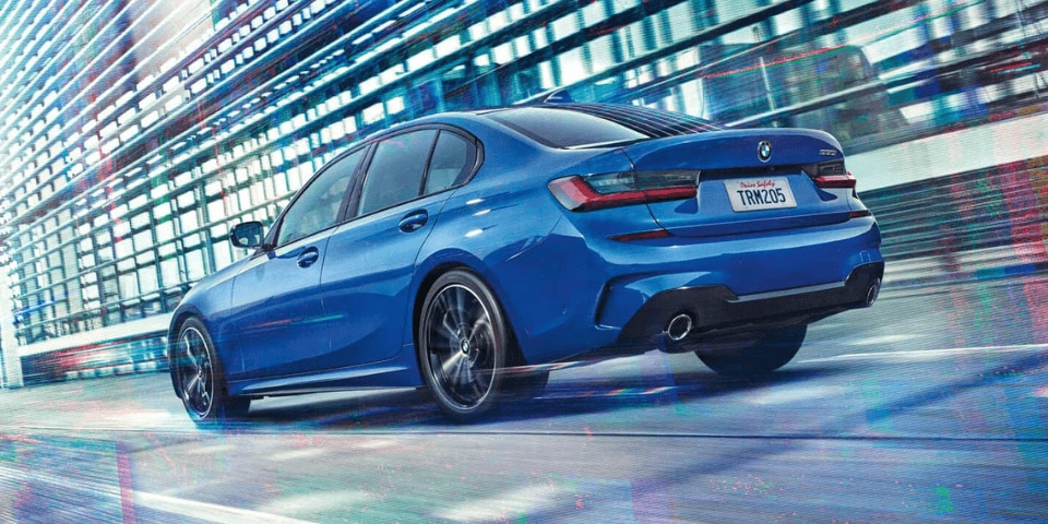 2019 BMW 3 Series rear 3/4 view