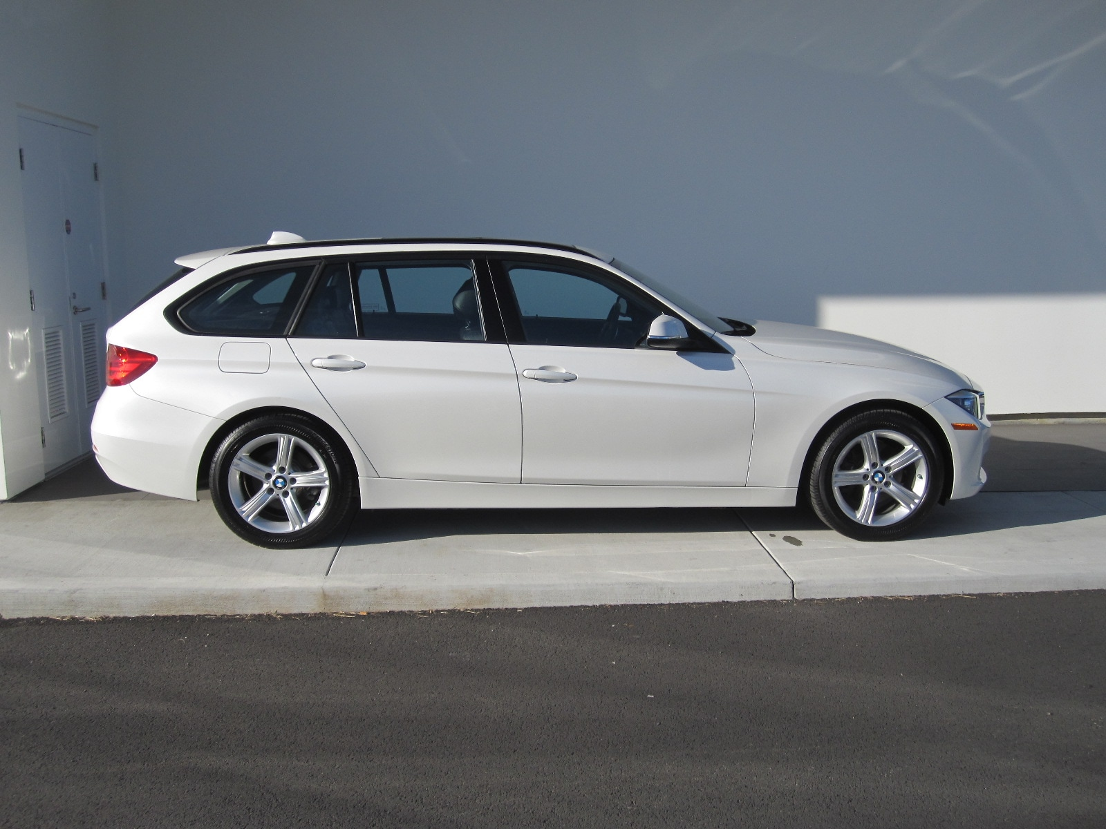 Used 2014 BMW 328i xDrive For Sale