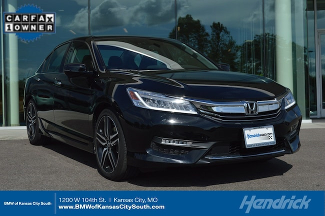 Honda Kansas City >> Pre Owned 2017 Honda Accord For Sale At Bmw Of Kansas City South