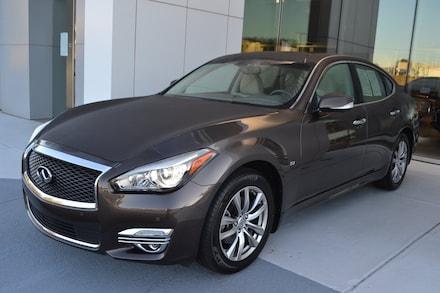 2017 INFINITI Q70 3.7X Sedan