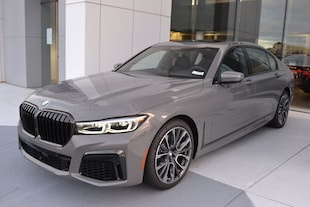 2021 BMW 740i Sedan B2729