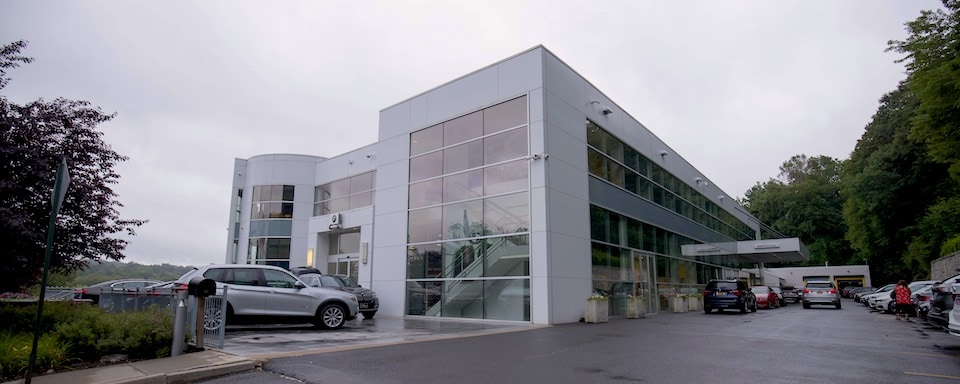 Exterior view of BMW Mt. Kisco