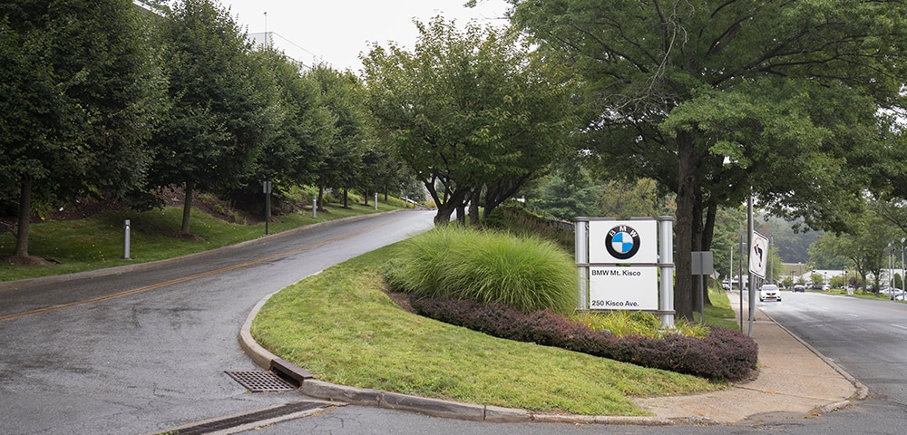Exterior view of BMW Mt. Kisco serving Yonkers