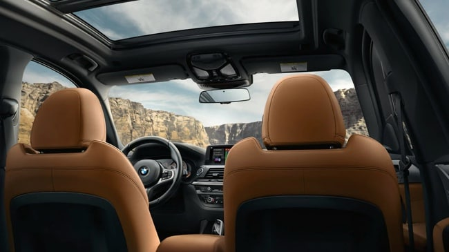 The interior of the 2019 BMW X3