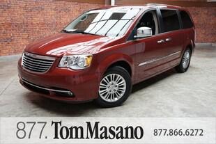 2014 Chrysler Town & Country Touring L Minivan/Van
