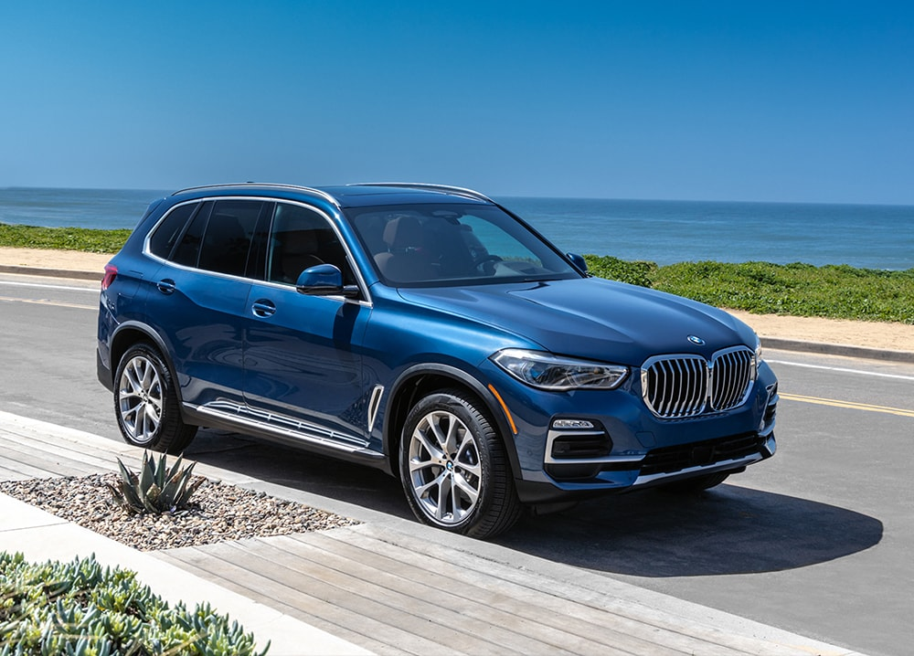 Features comparison of the 2019 BMW X5 versus Mercedes-Benz at BMW of Rockville