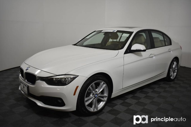 2017 BMW 320i 320i w/ Sport/Premium/Navigation Sedan