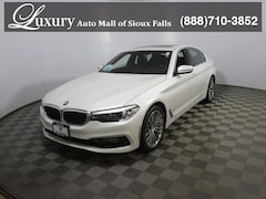 Pre-Owned 2018 BMW 530i xDrive Sedan WBAJA7C5XJWC75133 for Sale in Sioux Falls