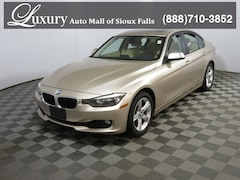 Pre-Owned 2014 BMW 320i xDrive Sedan WBA3C3G59ENR25388 for Sale in Sioux Falls