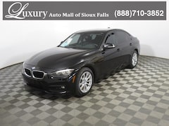 Pre-Owned 2017 BMW 320i xDrive Sedan xDrive Sedan WBA8E5G53HNU22424 for Sale in Sioux Falls