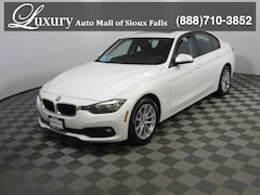 Pre-Owned 2017 BMW 320i xDrive Sedan WBA8A3C59HK691258 for Sale in Sioux Falls