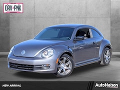 2012 Volkswagen Beetle Entry w/PZEV Hatchback