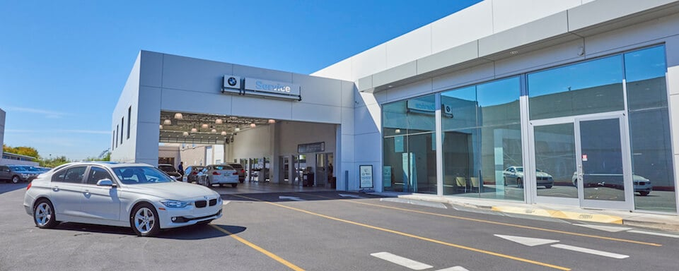 Exterior shot of service center at BMW of Tucson