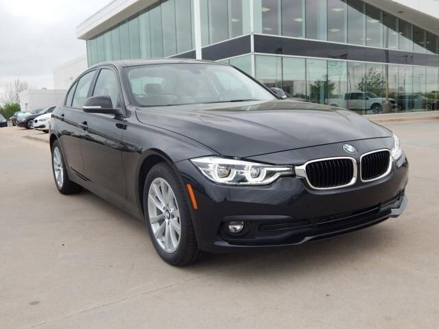 2018 BMW 3 Series 320i xDrive*SAVE MONEY ON RETIRED SERVICE LOANER!* Sedan