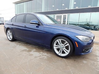 2017 BMW 3 Series 320i**VERY LOW MILES! BACK UP CAMERA AND MORE!** Sedan