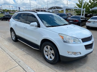 2010 Chevrolet Traverse LT w/2LT**REAR BUCKETS AND ENTERTAINMENT!** SUV